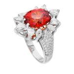 Кольцо из белого металла с рыжим спессартином