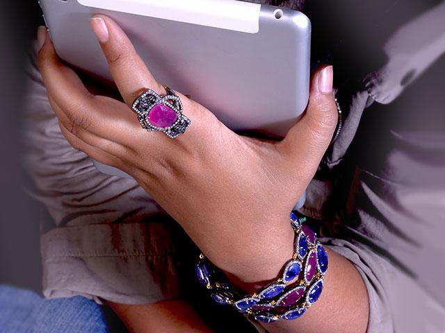 Браслет и кольцо с яхонтами