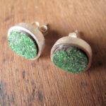 Серьги с зелёными камнями уваровитами
