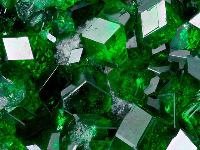 Зелёные кристаллы