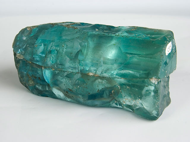 Кристалл берилл