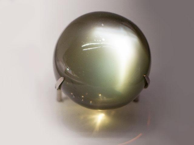 Беломорит альбит лунный камень