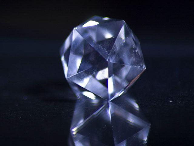 Огранка кристалла формы икосаэдр