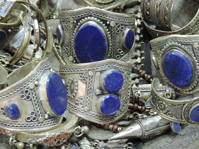 Браслеты серебряные с лазуритом