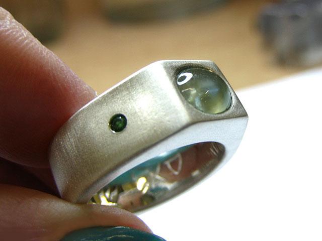Мужской перстень с бериллом