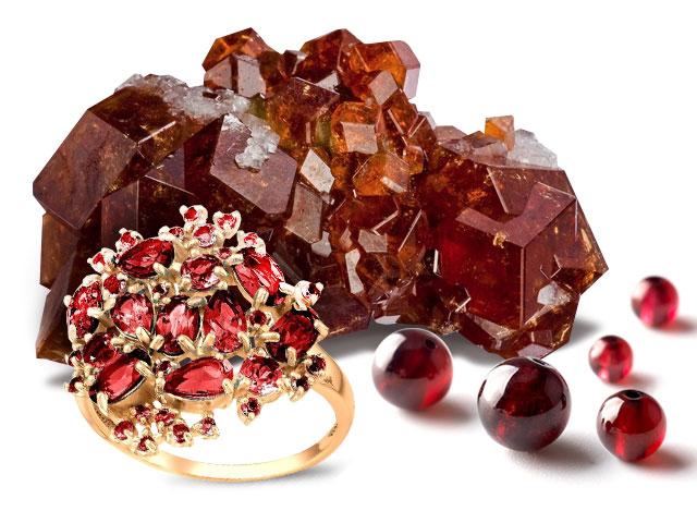 Красный камень любви Козерога, кольца и бусины из него