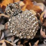 Кулон с кристаллами для женщин Козерогов
