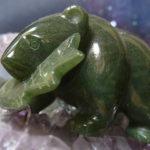 Медведь из зеленого минерала для женщин Козерогов