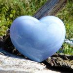 Сердце из голубого камня