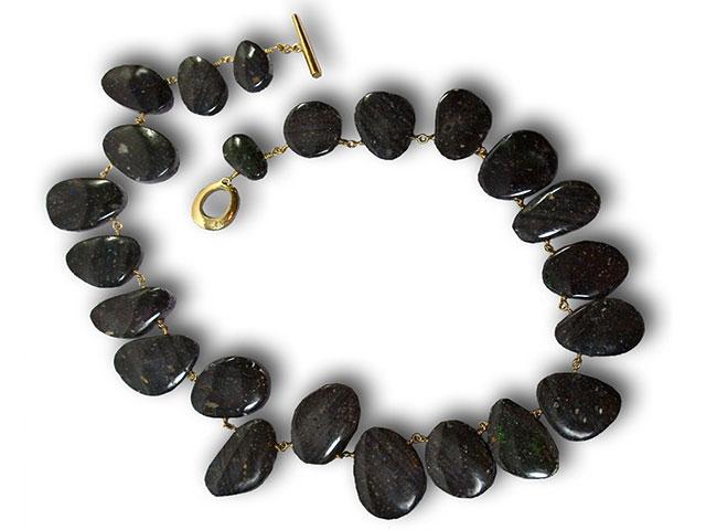 Чёрный опал - бусы