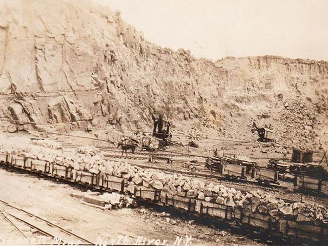 Месторождение граната - старинная фотография