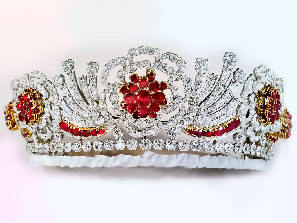 Рубиновая тиара королевы Елизаветы II