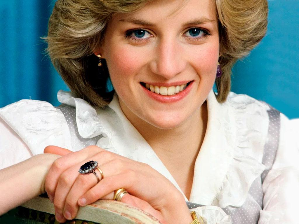 Принцесса Диана с её кольцом